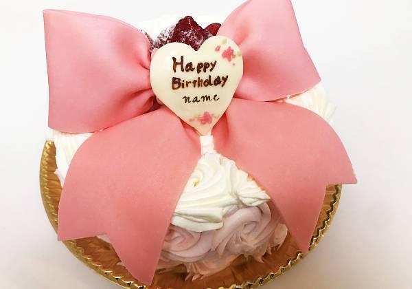 リボンのバースデーケーキ
